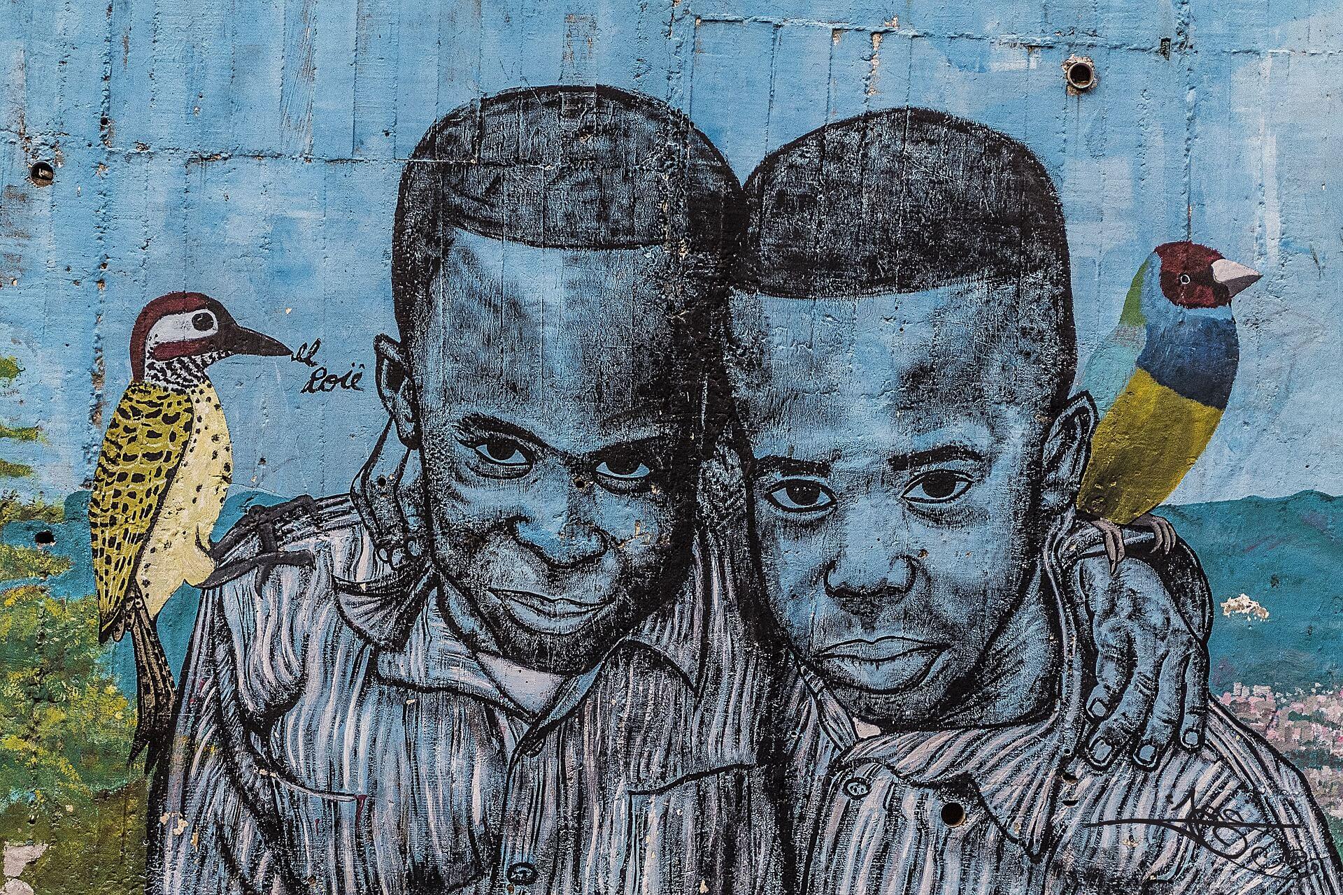Graffiti w dzielnicy San Javier, znanej też jako Comuna 13. Kiedyś uważana za najniebezpieczniejszą w mieści, dziś oferuje turytom wycieczki szlakiem graffiti